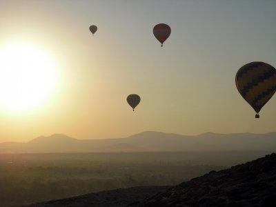 Balloon flight in Teotihuacan, breakfast & toast