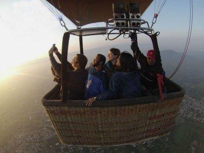 Vuelo en globo en tu cumpleaños en Teotihuacán