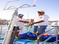 Preparando el paracaídas de parasail
