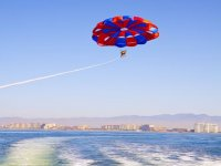 Fly high in parasail
