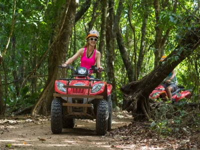 Tour in quads + natural well + zip wire, Cancun