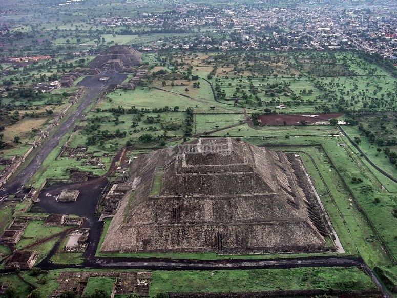 Vistas de Teotihuacán desde el Globo
