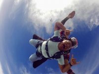 Parachute jump in San Diego (California)