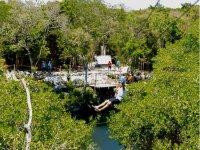 Zipline in cenotes