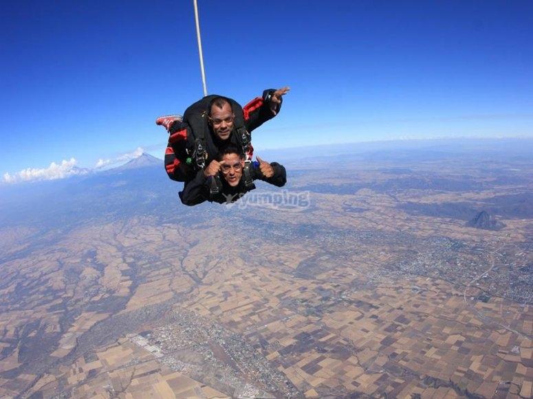 Parachute jumping in Guadalajara