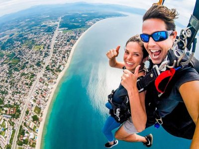 Skydiving jump in Puerto Vallarta with photos