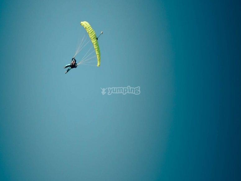 Paracaidas verde