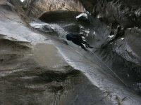 Rapeleando en montaña