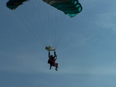 Parachuting jump in Cuernavaca with video