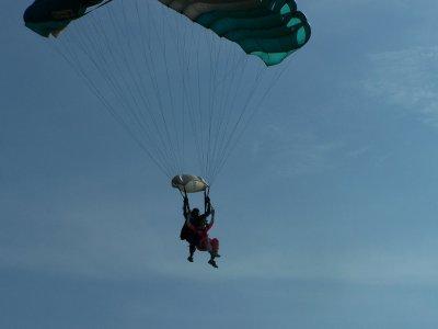 Parachuting jump in Cuernavaca with video