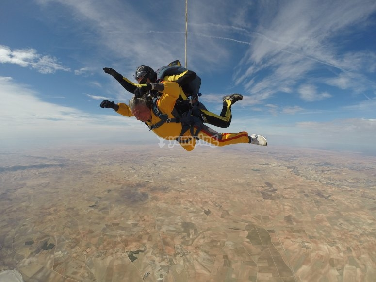 Freefalling before the parachute is open