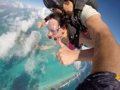 Skydiving in parachute and photos Playa del Carmen