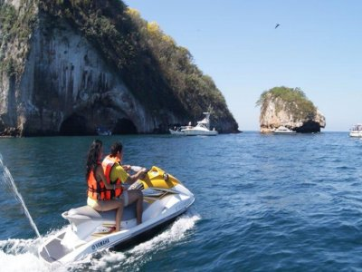 Jet Ski tour in Puerto Vallarta to Colomitos 2h