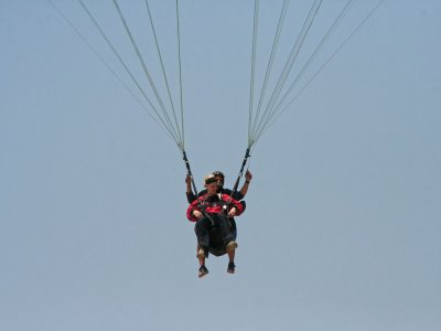 Parachute jump in Tequesquitengo + video
