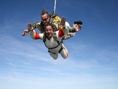 Parachute jump in Puebla + video and pictures