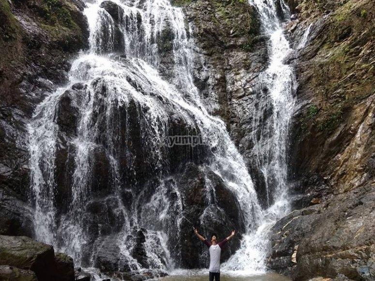 Tour around the waterfalls