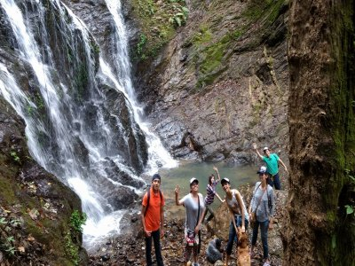 Abseiling in Alseseca waterfalls + lodging