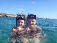 hasta los peques hacen snorkel