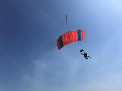 Paracaidismo tándem en Tequesquitengo