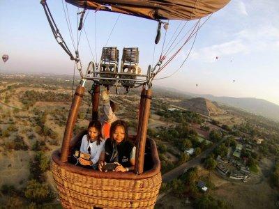 Balloon flight over vineyards in Tequisquiapan