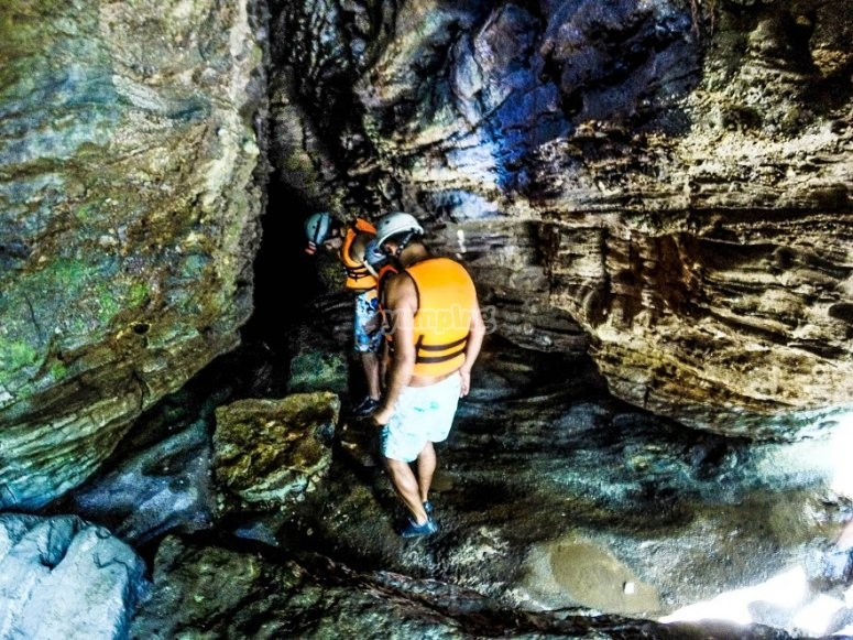 Recorrido por la gruta