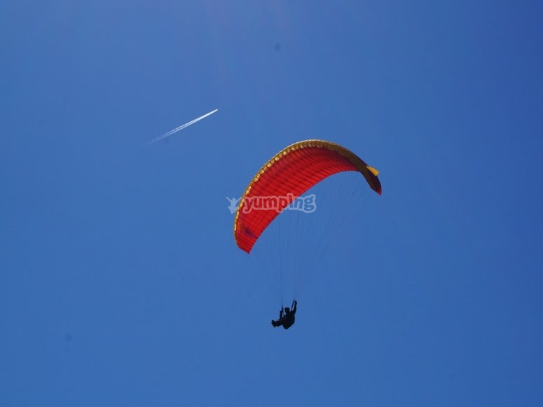 paragliding flight