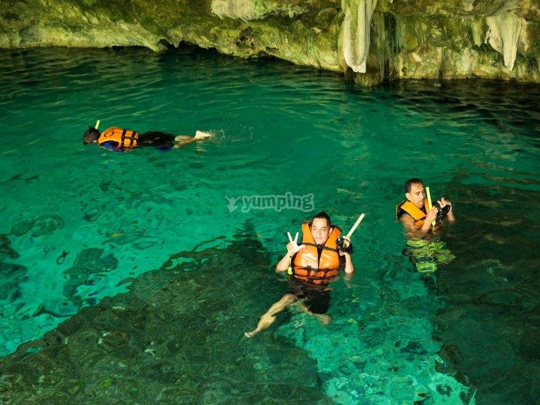 Recorrido a cenote maya