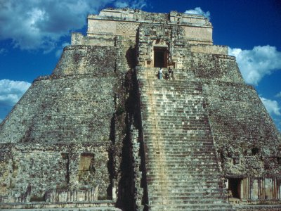 Visit Uxmal and Kabah + transport and food