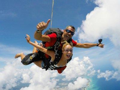 Skydiving jump in Playa del Carmen, 2 videos