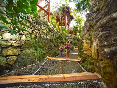 Plus ticket to Xcaret with buffet and show for Children