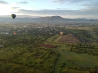 Balloon ride with breakfast in Teotihuacan 1 h