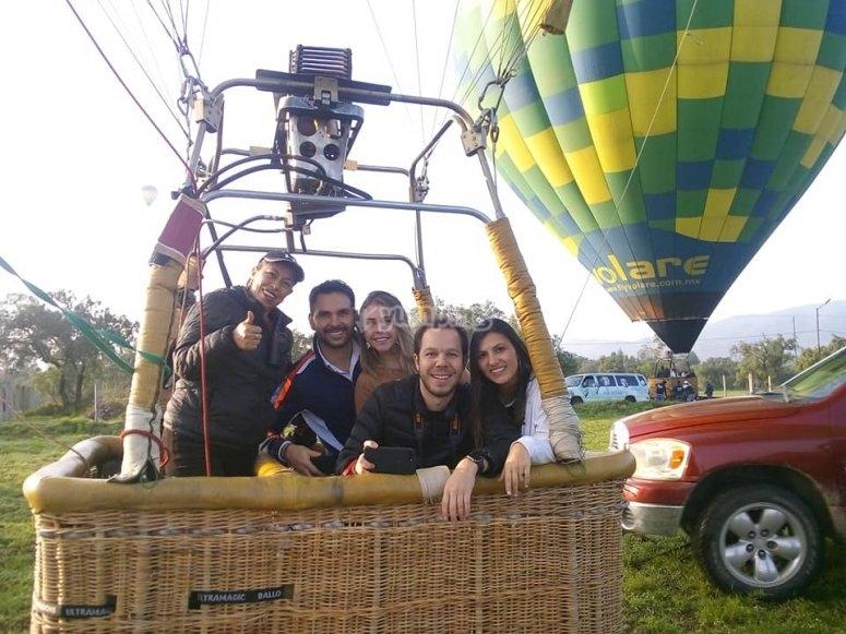 Flying with friends in San Miguel de Allende