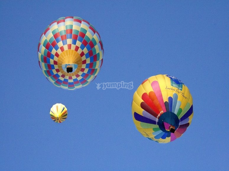 Ask for marriage flying in a balloon