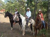 Horseback riding in Cabañas La Mesa
