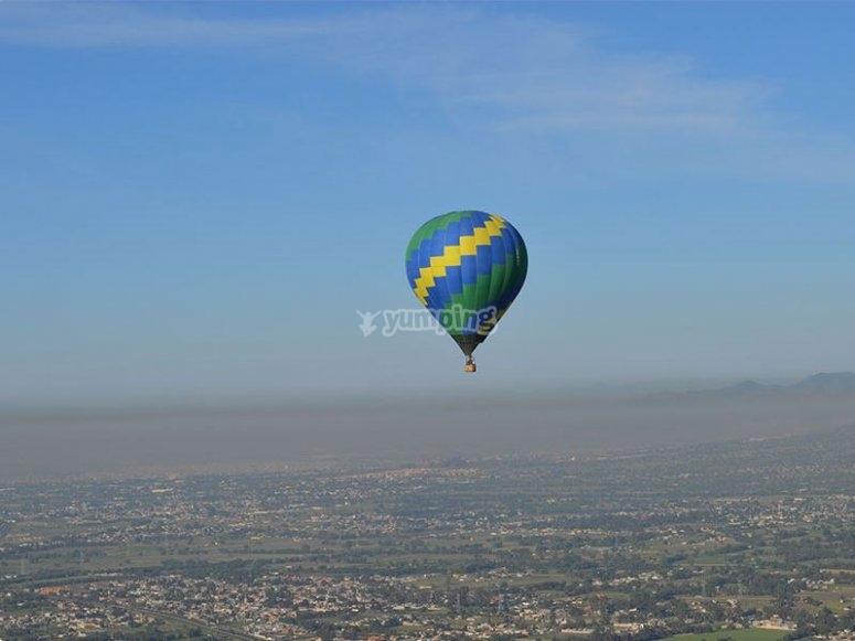 Flight in Teotihuacán