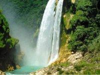 Cascada de Tamul Huasteca en San Luis Potosi