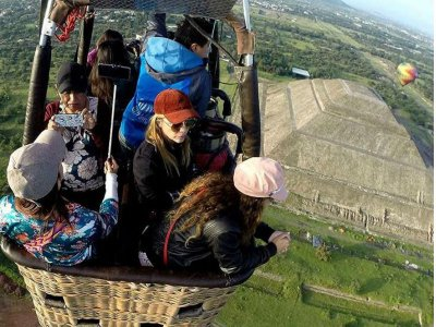 Hot air-balloon flight + Animal Kingdom tour