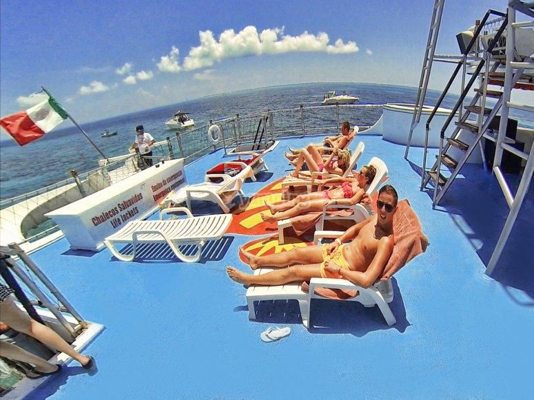 Camastros en el barco