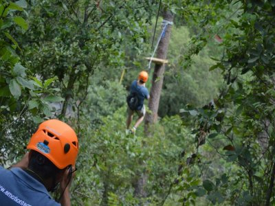 Zipline in Nuevo Leon with rappelling and climbing