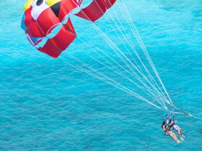 Pass to Xcaret and parachute flight for 12 minutes