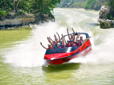 Pass to Xcaret, Speedboat and Children buffet
