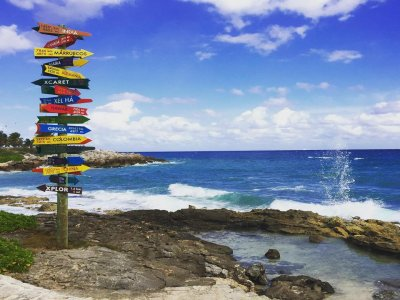 Access to Xcaret with Buffet and Swim with Shark