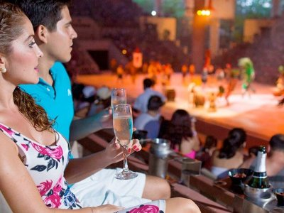 Admission to Xcaret and gourmet dinner with show