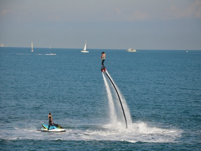 Flyboard in Valle de Bravo lagoon.