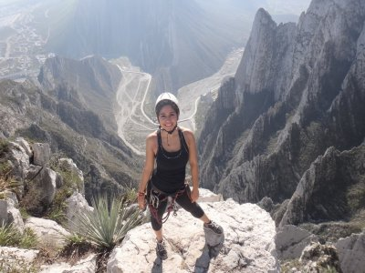 Nido de los Aguiluchos tour with rappelling and climbing