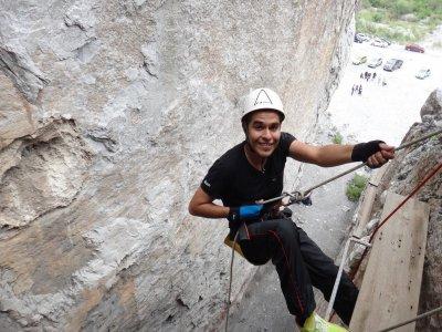 Rappel in Cueva de la Virgen, Monterrey.