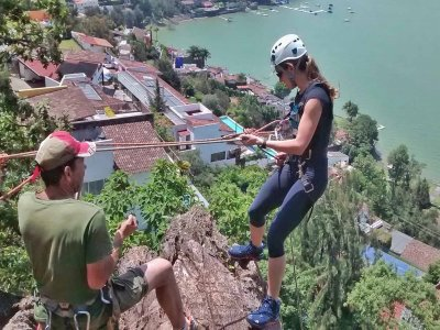 Rappel and climbing in Valle de Bravo
