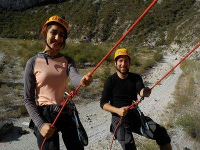 Abseiling, climbing + zip line course, Nuevo León