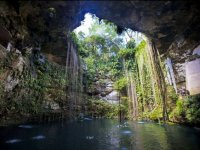 Rappel in cenote