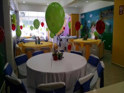 Ecatepec children's graduation party with food